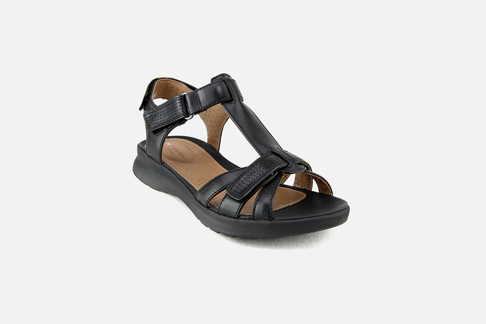 CLARKS SANDALS for girls Brand new without box Size 1F